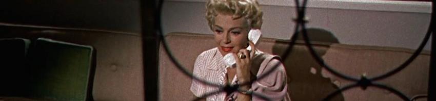 Film stasera sulle tv gratuite una donna allo specchio con stefania sandrelli sabato 16 marzo - Film lo specchio della vita italiano ...