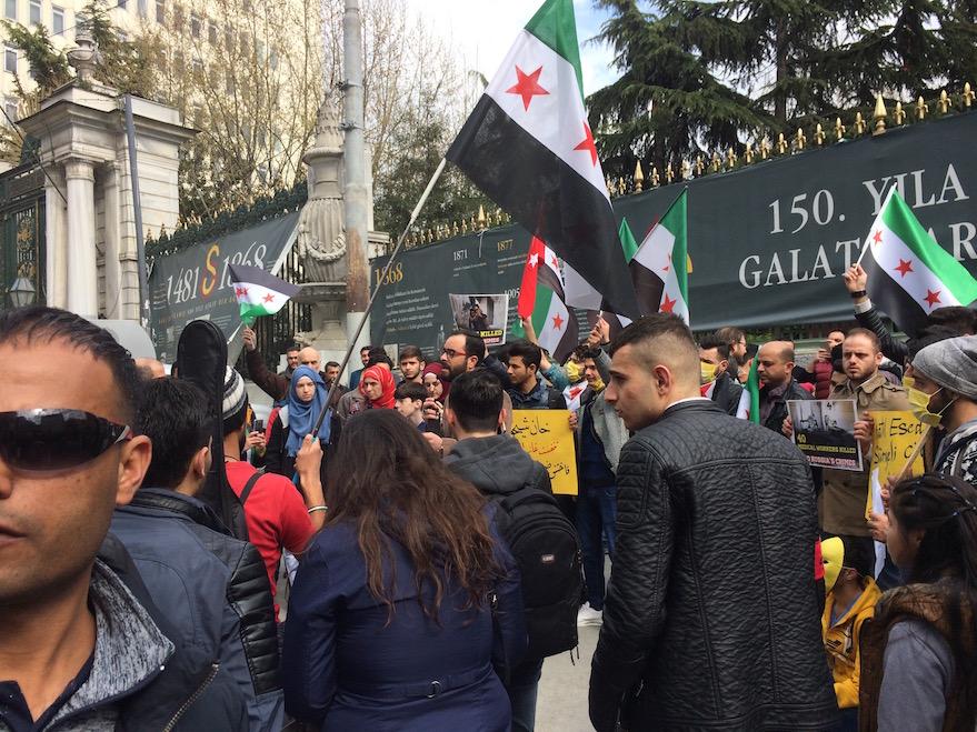 Manifestazione di rifugiati siriani a Galatasaray